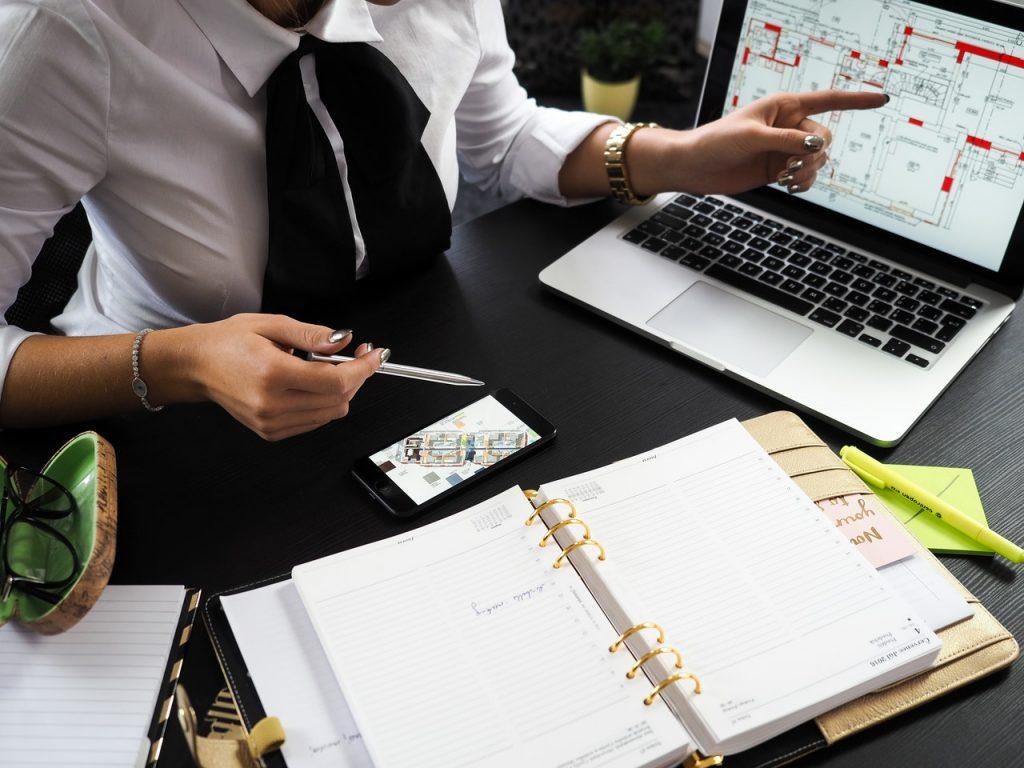 ONLINE & OFFLINE MARKETING TIPS FOR REAL ESTATE